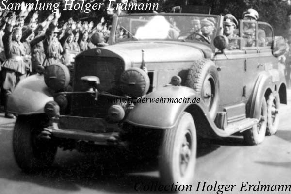 Mercedes_Benz_G4_1938-39_AH_Frontbesuch