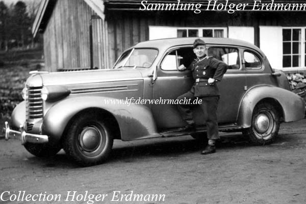 Oldsmobile_6_1937_4-door_Sedan_Norwegen_1944_01